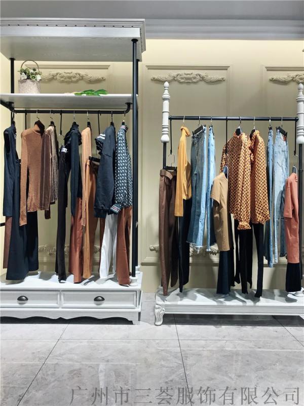 想要独特的女装货源找广州三荟品牌折扣货源