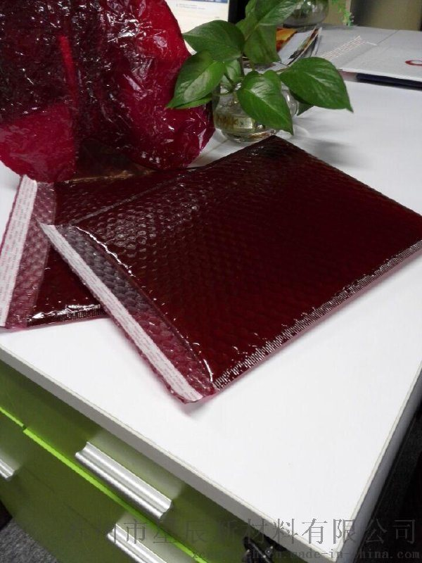 江浙滬可以做防水防塵減震的氣泡信封快遞袋廠家-蘇州星辰