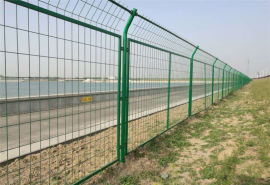 供应四川饮用水源治理隔离浸塑防护网河北安平厂家