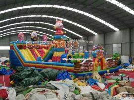 湖南广场上面节假日火爆的儿童游乐滑梯蹦床