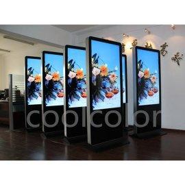 南京55英寸落地式触摸液晶广告机