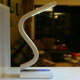 USB充电工厂直销 美式台灯 S型灯护眼节能LED台灯 学生现代台灯
