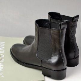 來樣加工定制各類款式高檔時裝女皮鞋