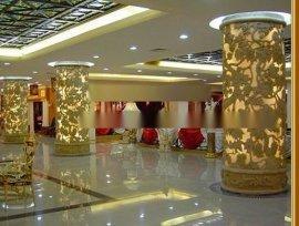 罗马柱雕塑图片 酒店装饰砂岩罗马柱 米黄砂岩雕花柱墩