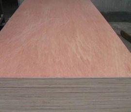 供应杨木板三夹板多层板冰糖果板材