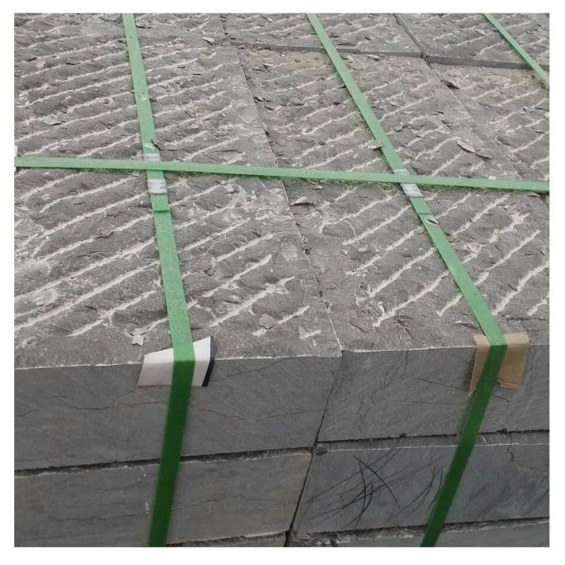 厂家批发石板铺路老旧石条石雕老石板铺路民间收集青石墙面装饰
