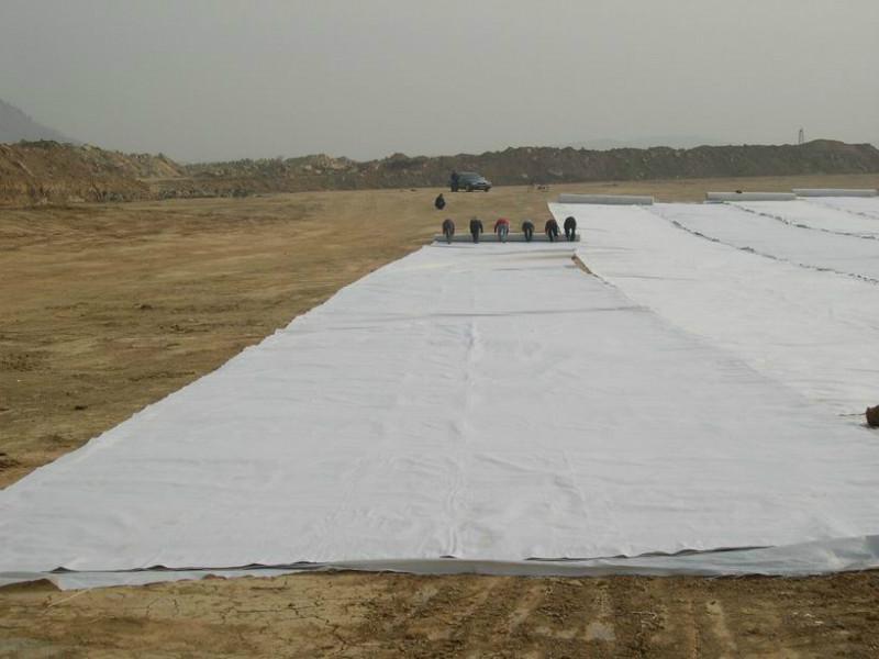 东莞供应公路保湿无纺土工布,可根据客户定做,用于建筑行业。
