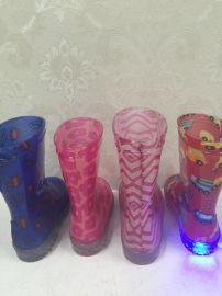 厂家定制PVC灯鞋,外贸出口儿童雨鞋,价格优势