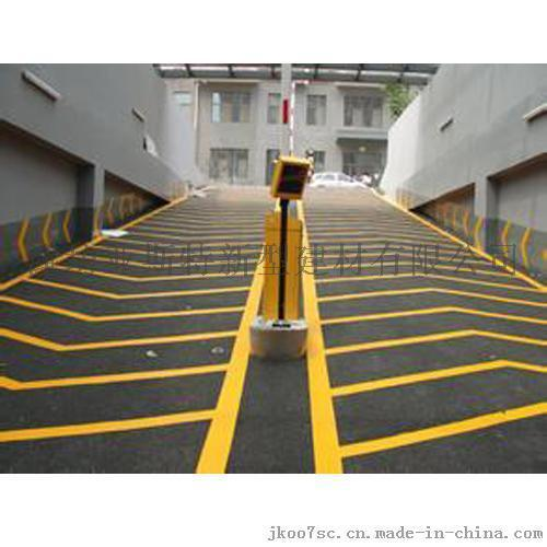 潍坊昌邑 厂家直销 停车场防滑耐磨地坪 无震动止滑车道施工