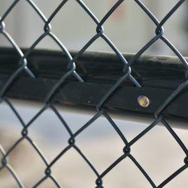 组装式篮球场围网 绿色框架式体育场护栏网 球场护栏订购加工