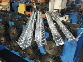 货架立柱生产线设备 高速轻仓货架立柱冲孔成型设备