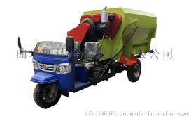 青储喂牛撒料车,三轮电动喂料机,农场自动喂料车
