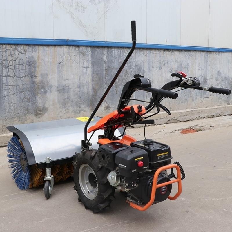 自走式公园除雪车 小型滚刷式路面扫雪机 捷克