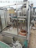 出售各种饮料设备,洗、罐、拧一体机、吹瓶机。