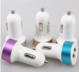 热销双USB车载手机充电器 12V2100MA充电器