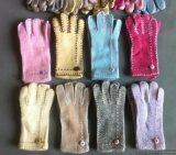 厂家生产批发最新款女装服饰手套针织毛线羊毛兔毛手套时尚钉珠保暖手套