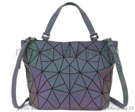 新款现货夜光变色水桶包时尚潮流包单肩斜挎女包手提包