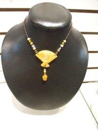 玉石首饰-黄玉扇子项链