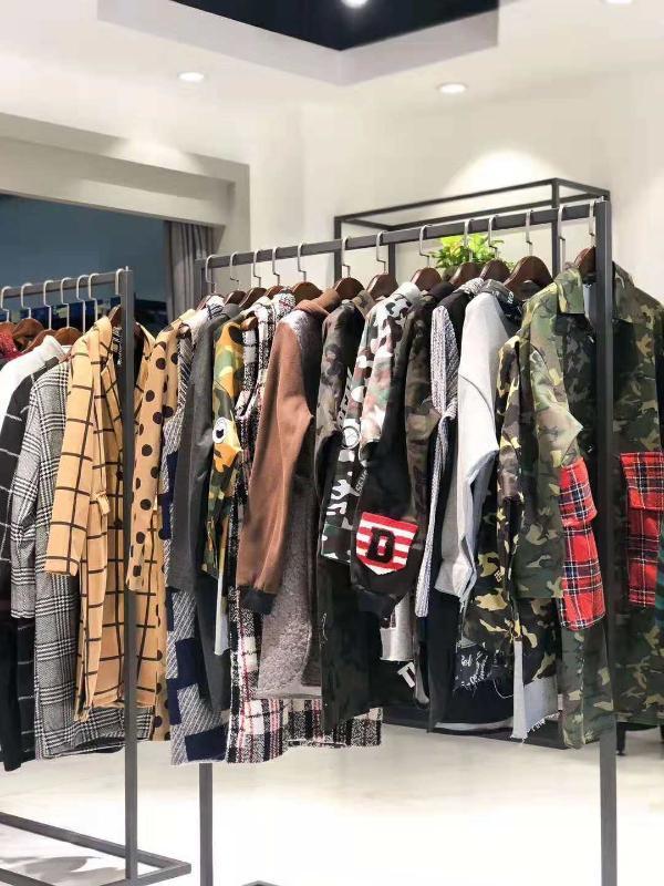 深圳品牌女装折扣店C*E卫衣第三批新款货源批发市场