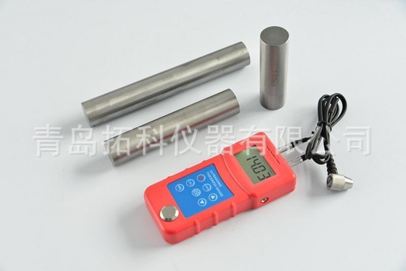 青島拓科UM6800超聲波測厚儀  塑料製品厚度測量儀