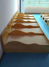成都幼儿园午休床,实木幼儿园家具(玩具柜,书包柜)