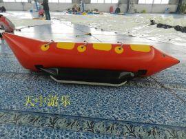 水上游乐玩乐闯关充气香蕉船