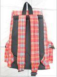 格子花纹背包