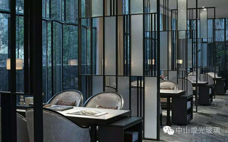 不鏽鋼玻璃屏風,不鏽鋼玻璃屏風隔斷,不鏽鋼玻璃屏風廠家