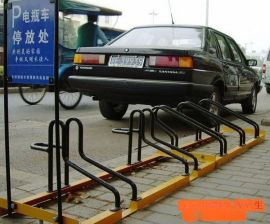 各公交站安装的自行车车架/摆放架