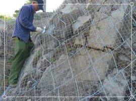 云南泸水高速边坡防护网-菱形被动防护网RX-050