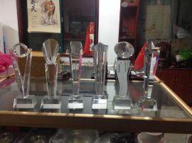 各种水晶奖杯、西安颁奖奖杯、水晶工艺品、K9水晶奖杯