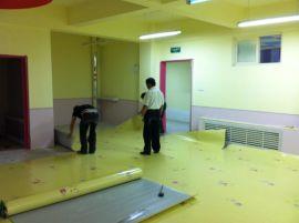 山東防滑塑膠地板批發