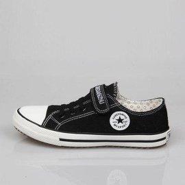 厂家直销**低帮帆布鞋/儿童运动鞋/焦作天狼