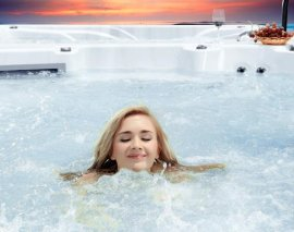 别墅泳池工程专业提供游泳池设备 SPA水疗泡池产品