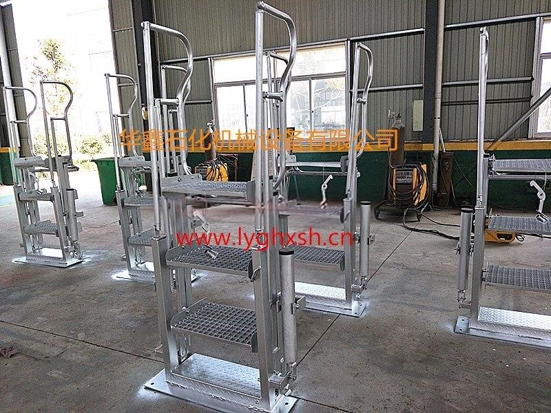 华鑫 活动梯 结构新颖、操作轻便、使用安全可靠