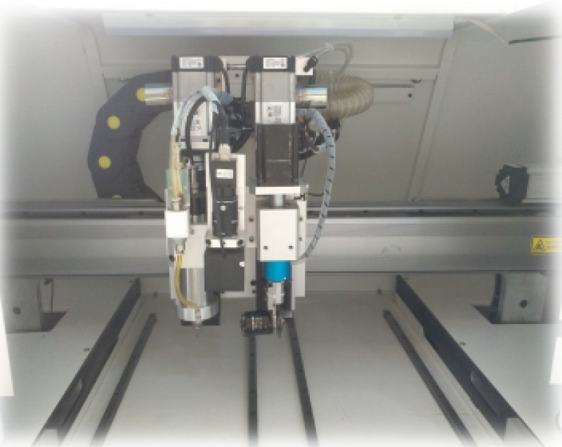 PCB在线曲线锣刀分板机