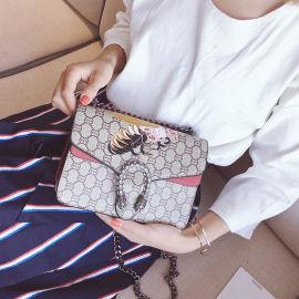 2018新款女包韩版刺绣女蜜蜂酒神包链条女单肩包