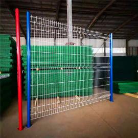 铁丝网护栏网 桃形柱护栏网厂家 小区围栏铁丝网施