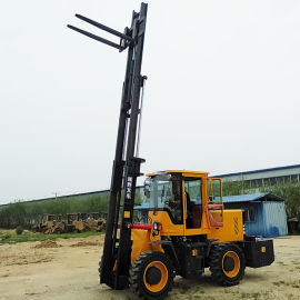 3吨多功能四驱起重机 5吨四轮升降柴油叉车