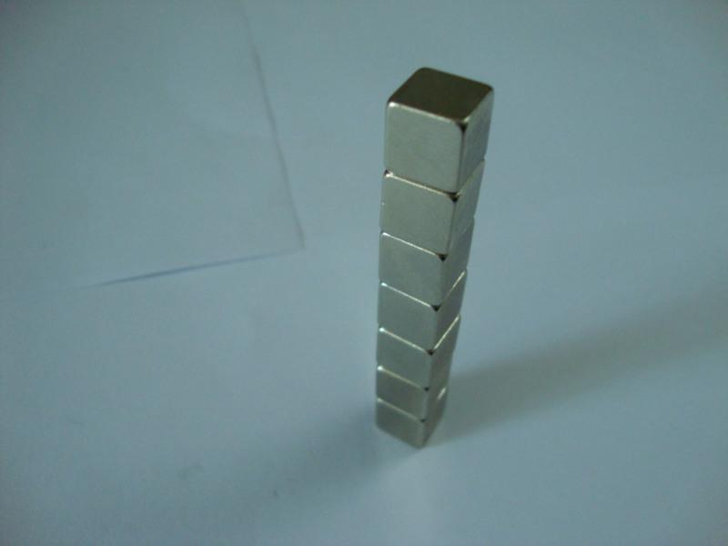 钕铁硼磁铁方块磁铁条形扁行磁铁