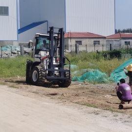 四驱越野叉车 3吨内燃式叉车 多功能物流搬运车