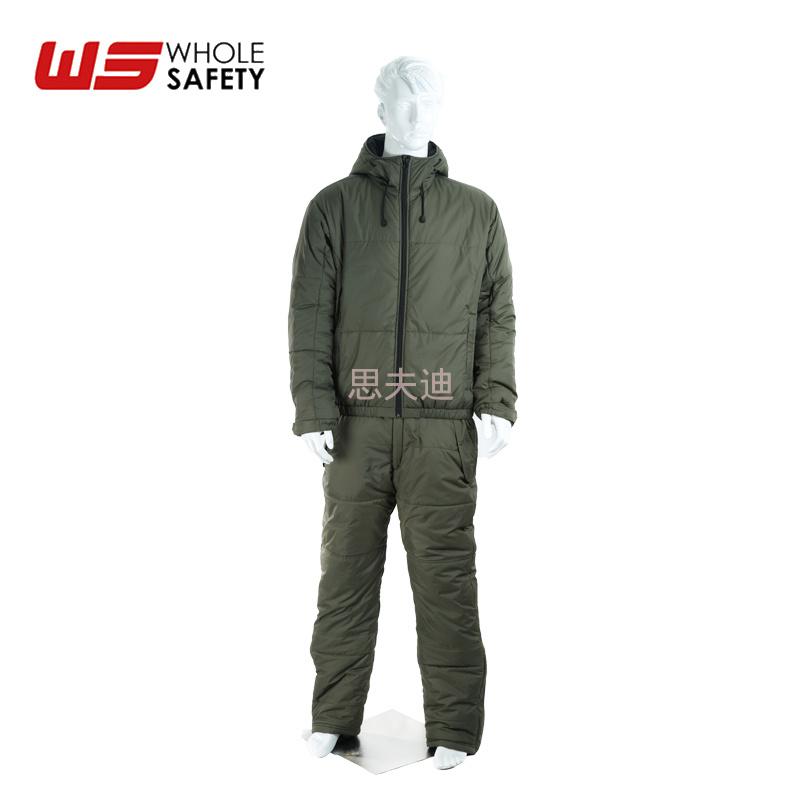 上海厂家供应防寒保暖服 防水保暖套装