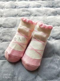 女宝宝粉红色花边婴儿袜子