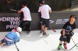 科诺专利产品新型的仿真冰滑冰场移动溜冰场