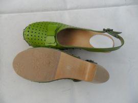 8365木屐凉鞋