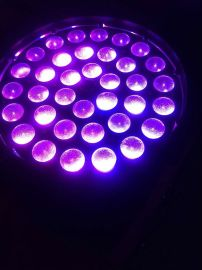 低功率消耗室内灯 led舞台灯 450w调焦摇头灯 36颗 10W 4合1 LED灯