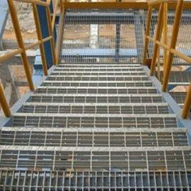 楼梯踏步钢格板/热镀锌不锈钢/楼梯钢格板/钢格栅