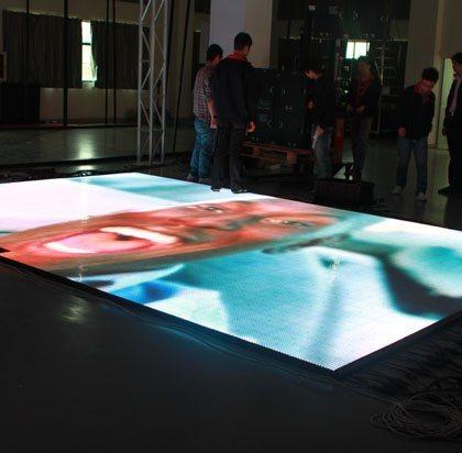 P3顯示屏、感應地板屏、戶外全綵屏