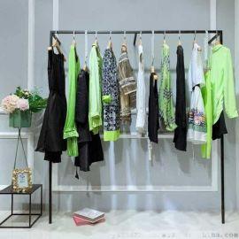 直播卖衣服 货源哪里拿比较好 直播品牌特卖折扣招代理