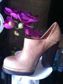 加工定做時尚真皮時裝女靴